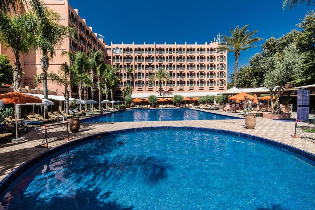 المسبح في El Andalous Lounge & Spa Hotel أو بالجوار