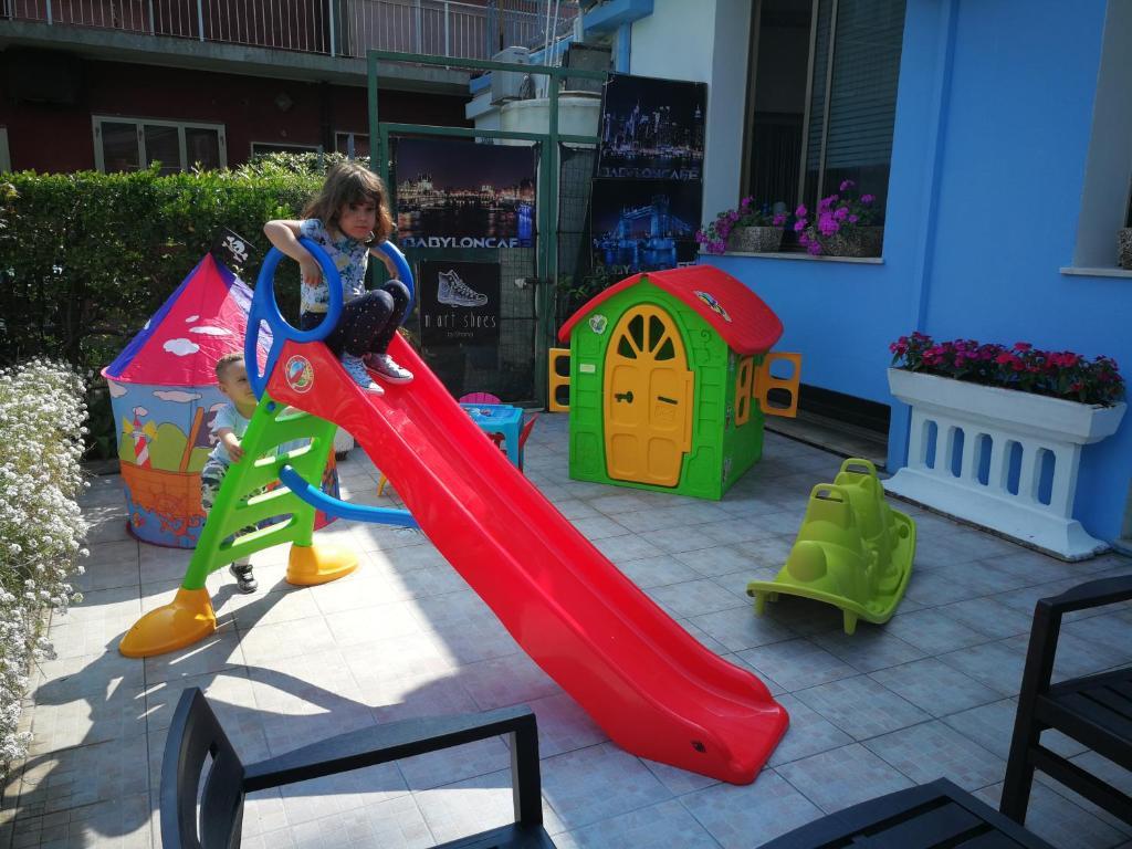 Herní místnost nebo prostor pro děti v ubytování Hotel Centrale