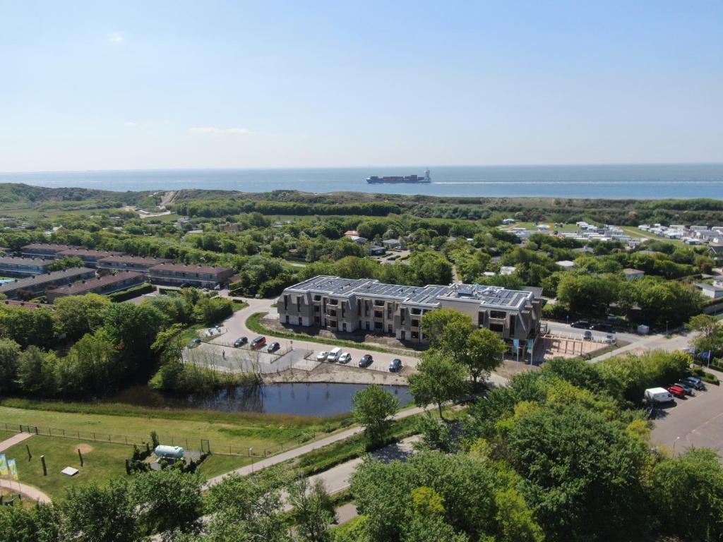 Een luchtfoto van Hotel Kaap West I Kloeg Collection