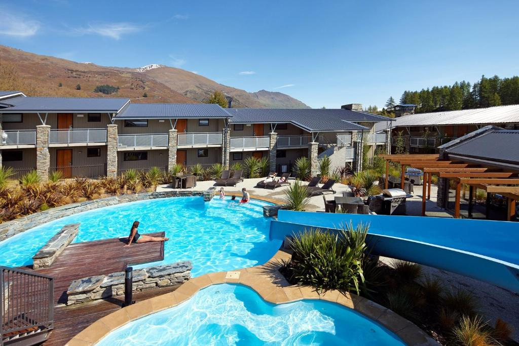 The swimming pool at or close to Club Wyndham Wanaka