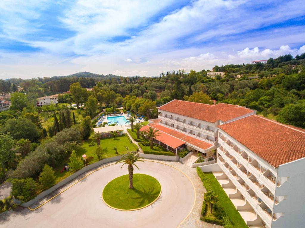 Vue panoramique sur l'établissement Livadi Nafsika Hotel