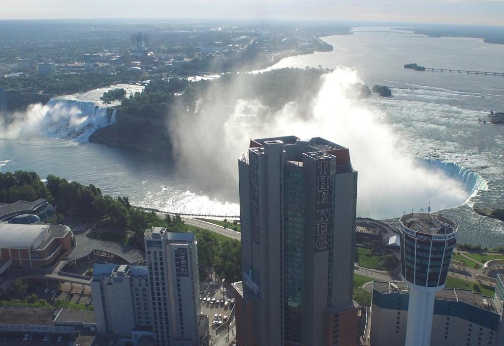 Embassy Suites by Hilton Niagara Falls Fallsview - Laterooms