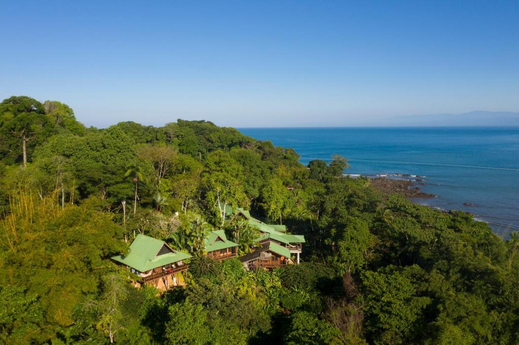 Vue panoramique sur l'établissement Aguila de Osa Rainforest Lodge