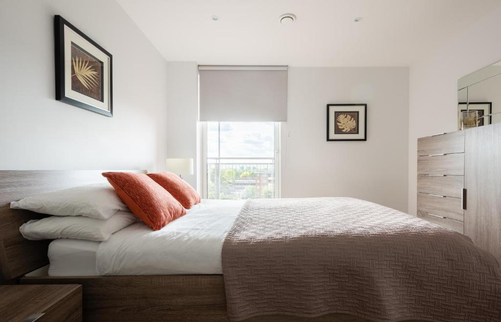 2 Bedroom 2 Bathroom Apartment With Large Balcony London Updated 2021 Prices