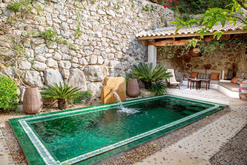 The swimming pool at or near Hotel & Restaurant Jardi D'Artà