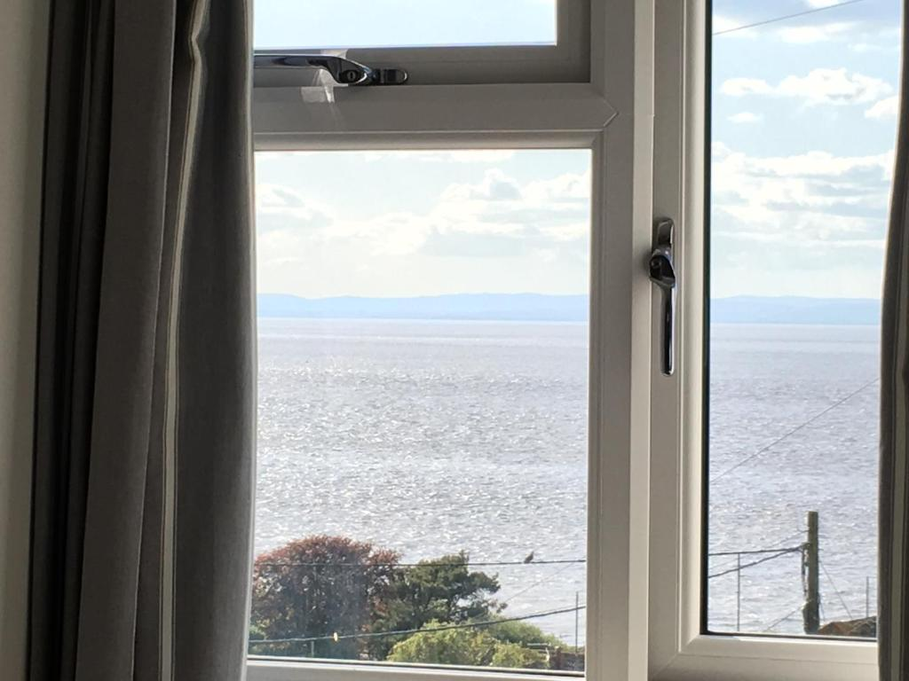 A general sea view or a sea view taken from the apartment
