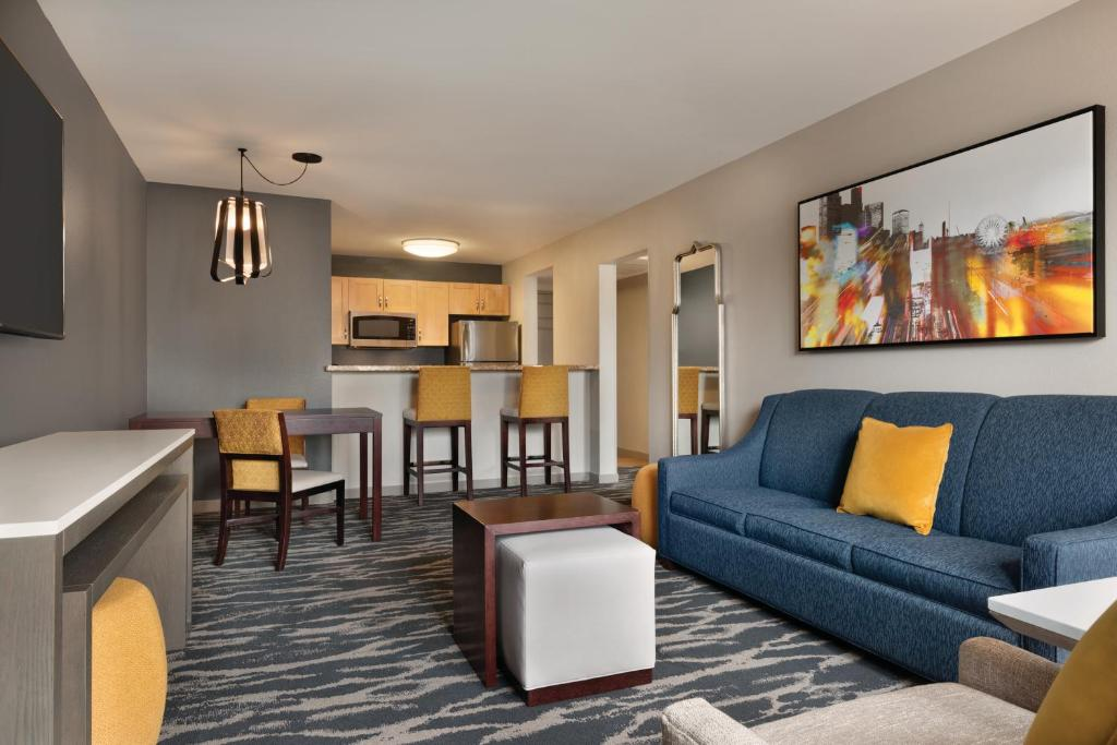 A seating area at Homewood Suites by Hilton-Seattle Convention Center-Pike Street