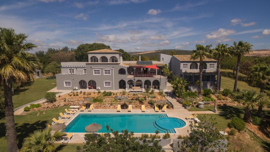 Uma vista da piscina em L´Auberge Casa Do Monte ou nas proximidades