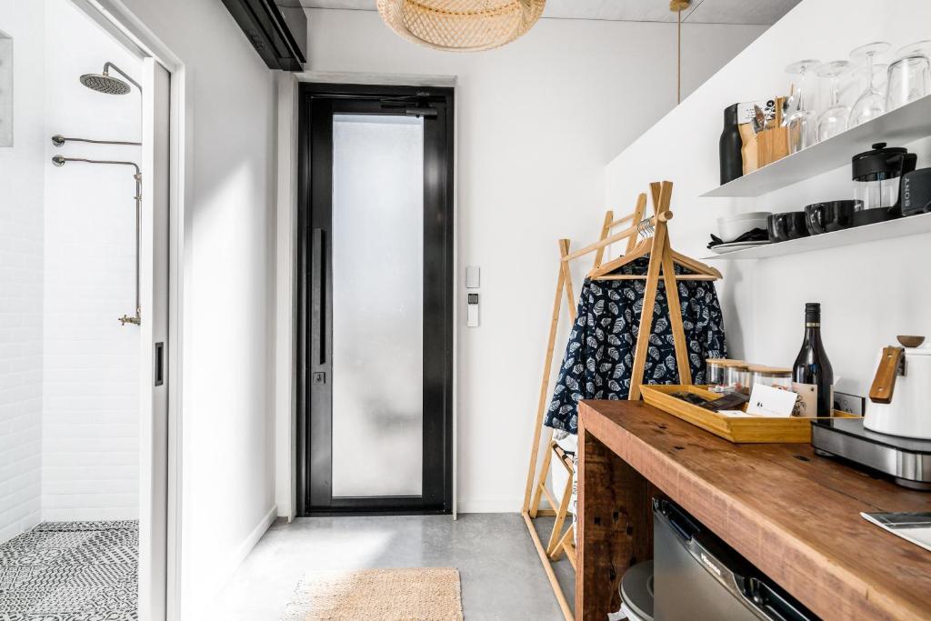 A kitchen or kitchenette at Blackbird Luxury Accommodation