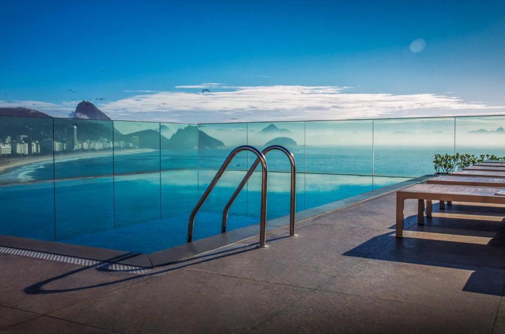 A piscina localizada em Miramar Hotel by Windsor ou nos arredores