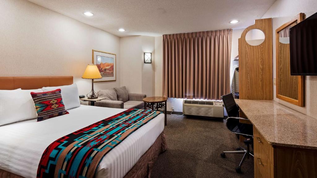 A room at the Inn at Santa Fe.