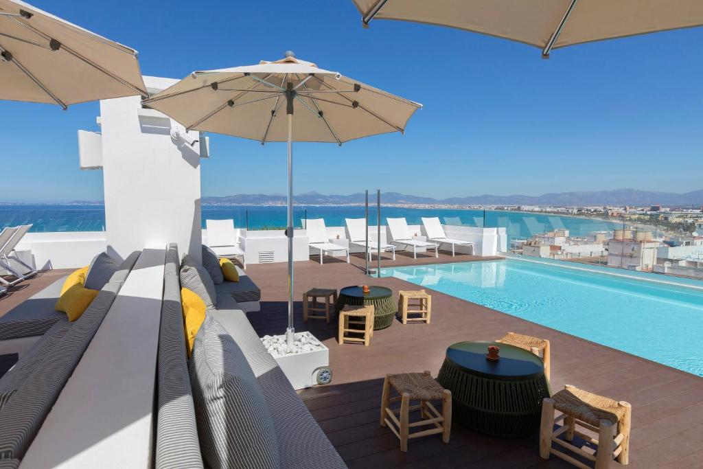 A balcony or terrace at whala!fun