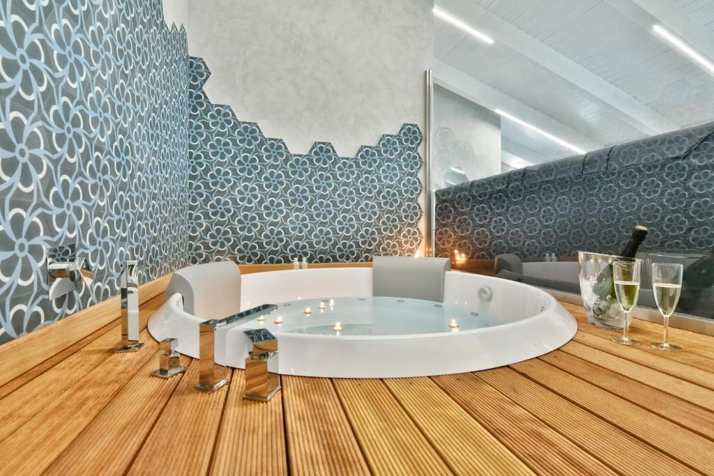 A bathroom at Amnis suites