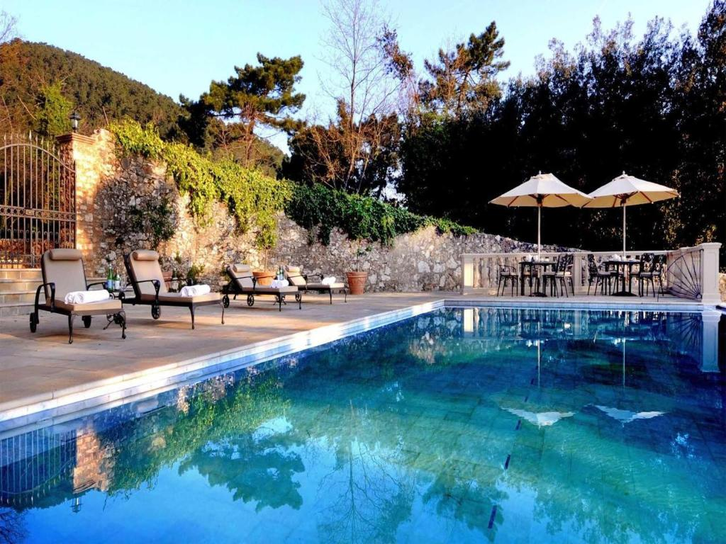 The swimming pool at or near Hotel Villa Casanova