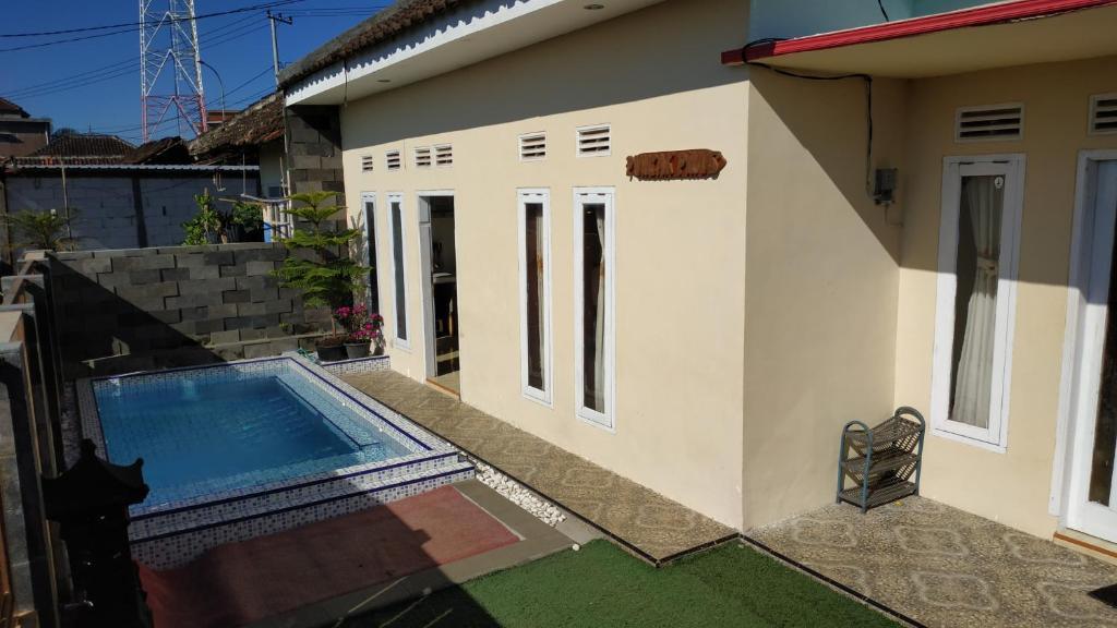 The swimming pool at or close to Puncak Pinus and Pool