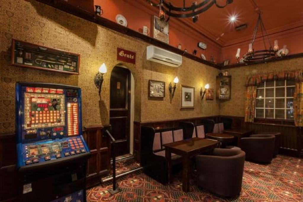 Scarisbrick Hotel, Southport - Laterooms