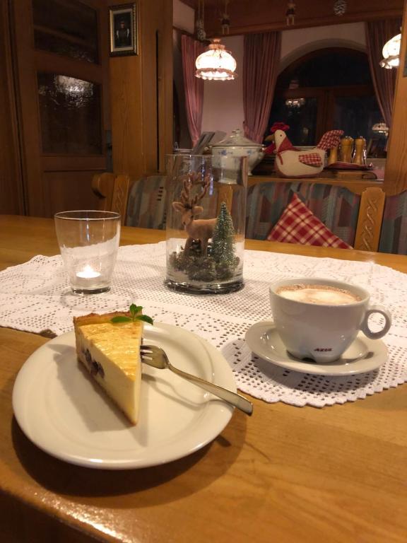 Ein Restaurant oder anderes Speiselokal in der Unterkunft Solhof-Schömberg