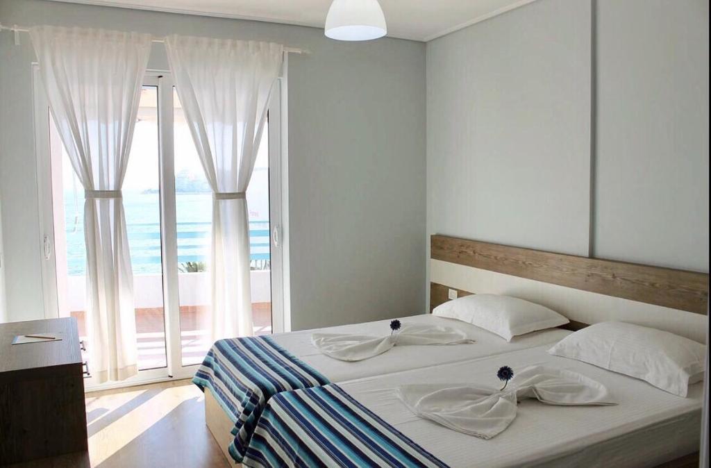 Улучшенные апартаменты с фронтальным видом на море: фотография номер 4