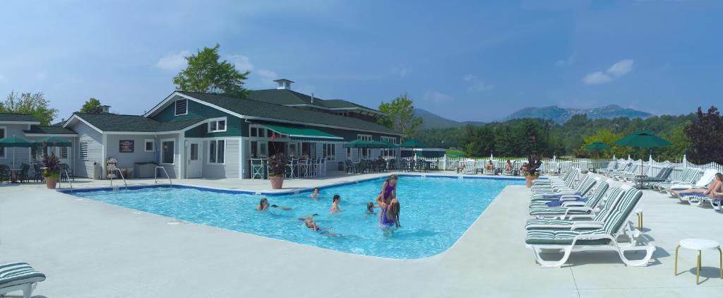 The swimming pool at or near Stoweflake Mountain Resort & Spa