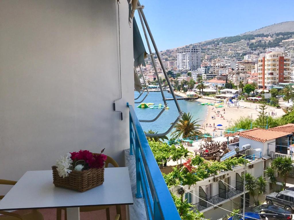 Апартаменты-студио с боковым видом на пляж: фотография номер 9