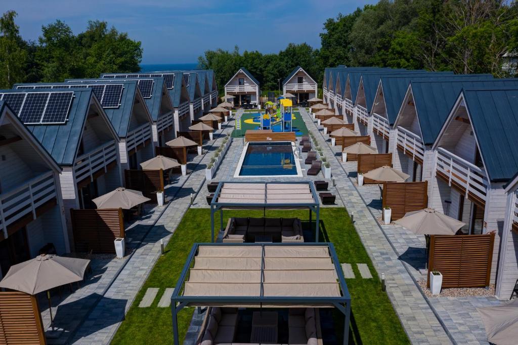 Widok na basen w obiekcie Natural Resort lub jego pobliżu