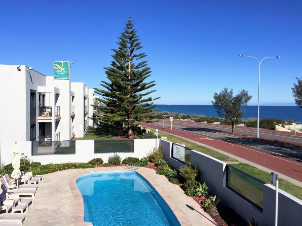 The swimming pool at or near Quality Resort Sorrento Beach