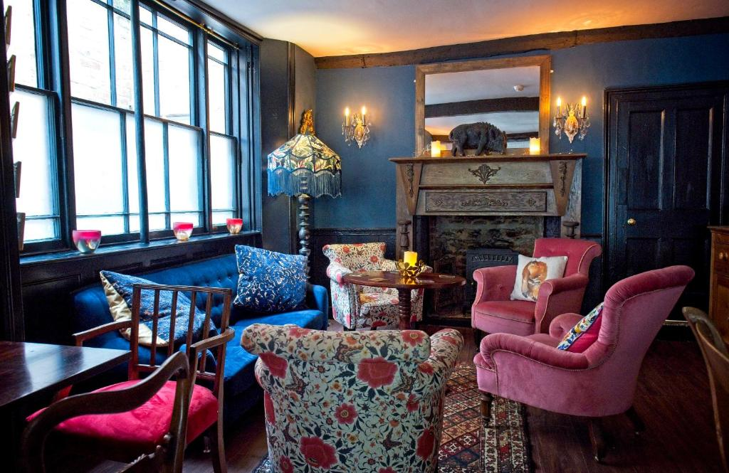 The lounge or bar area at The Old Vicarage Hotel & Restaurant