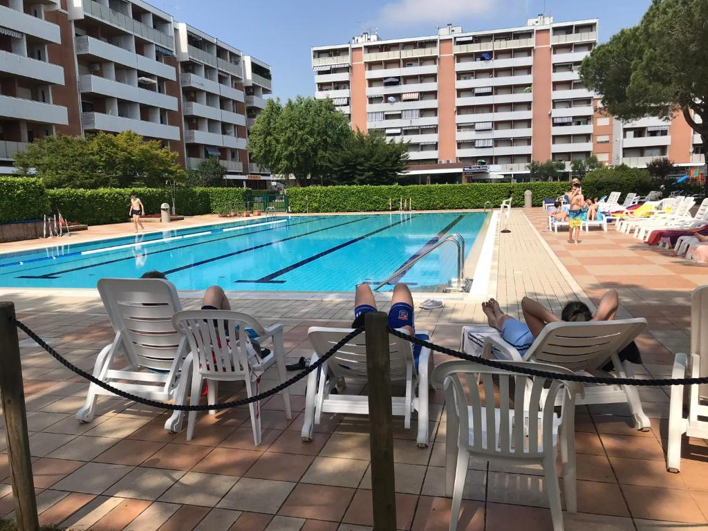 The swimming pool at or near Residence Brama