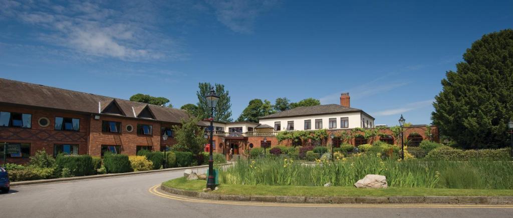 Bredbury Hall Hotel - Laterooms