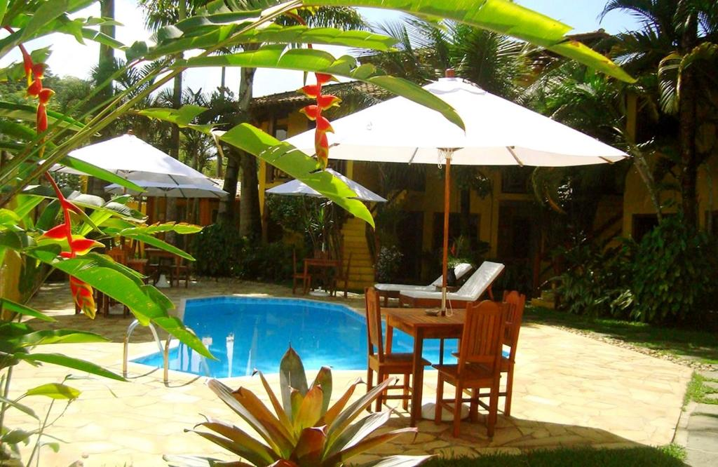 The swimming pool at or near Pousada Naus de Paraty