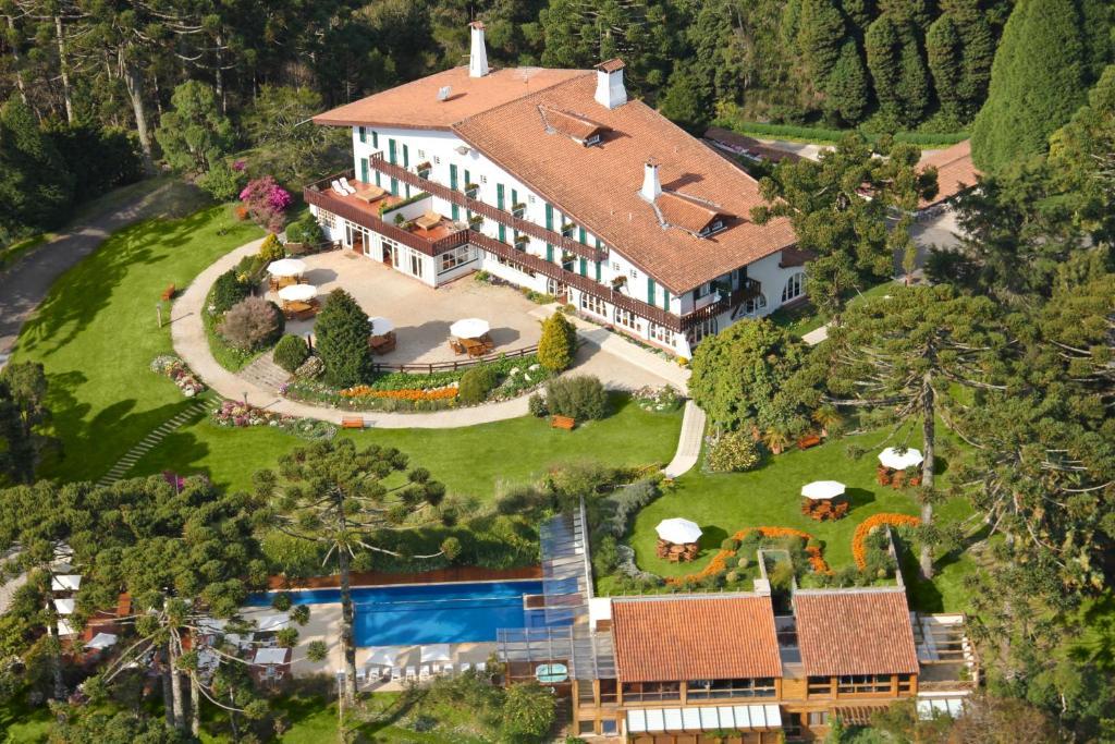 Uma vista aérea de Hotel Toriba