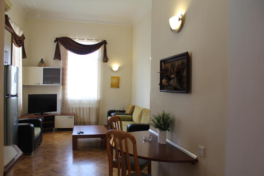 Uma área de estar em My Lovely home Akhundov