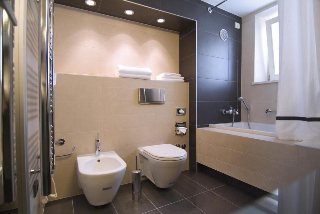 A bathroom at Hotel Vestibul Palace & Villa - Small Luxury Hotels Of The World