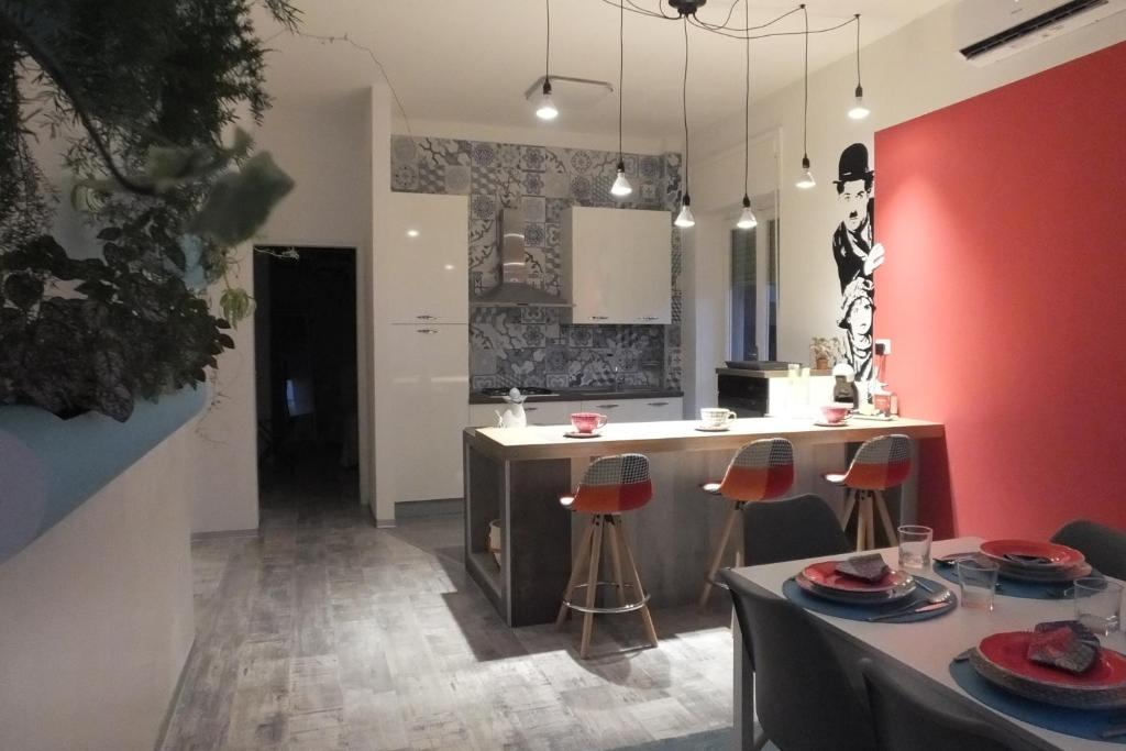 A kitchen or kitchenette at Blue Home