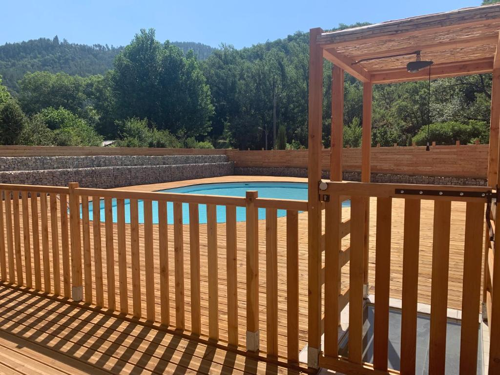 A view of the pool at Camping du Bourg or nearby
