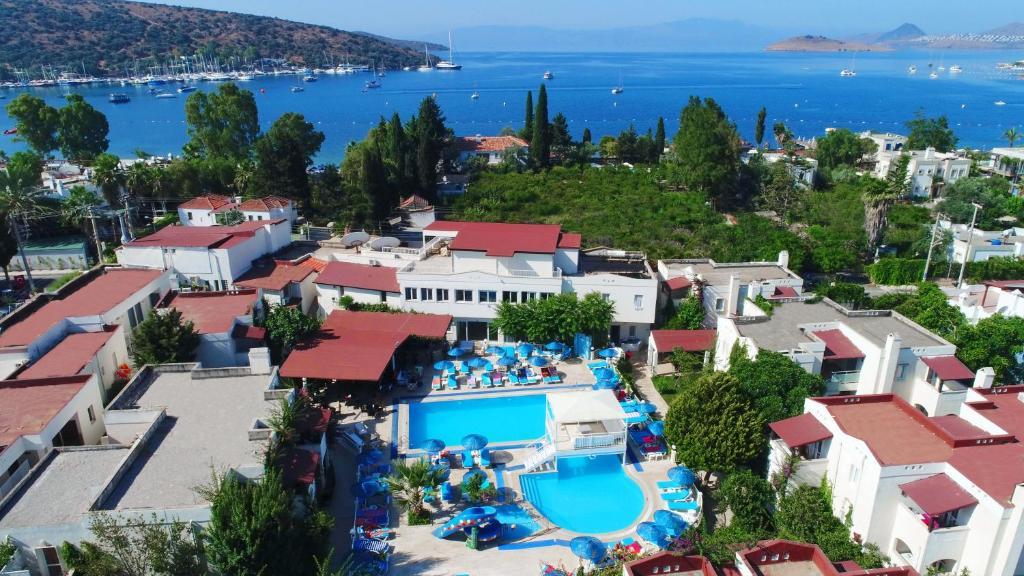 Een luchtfoto van Summer Garden Apart Hotel