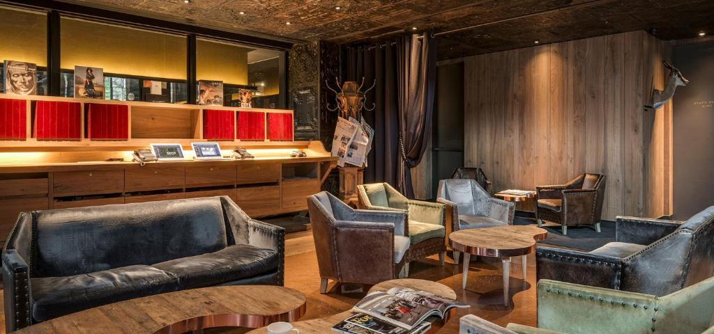 A seating area at Hotel Proverbs Taipei