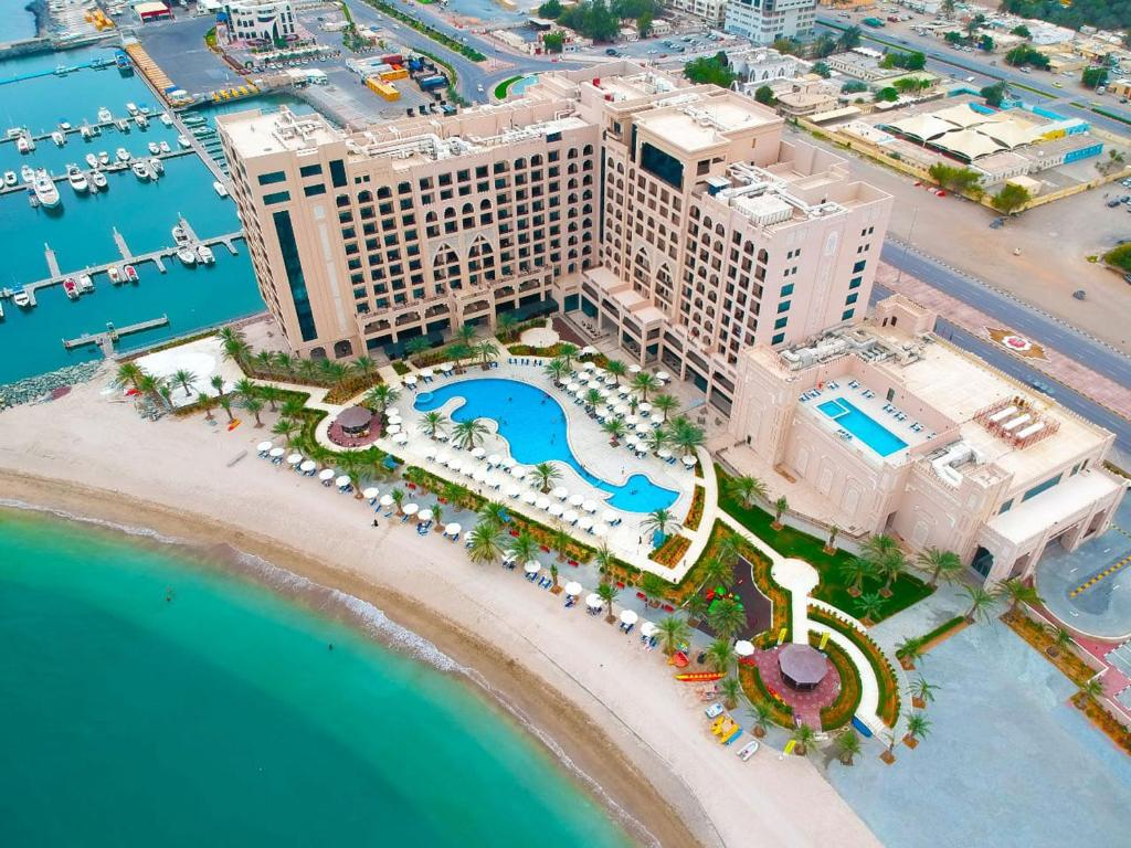 A bird's-eye view of Al Bahar Hotel & Resort