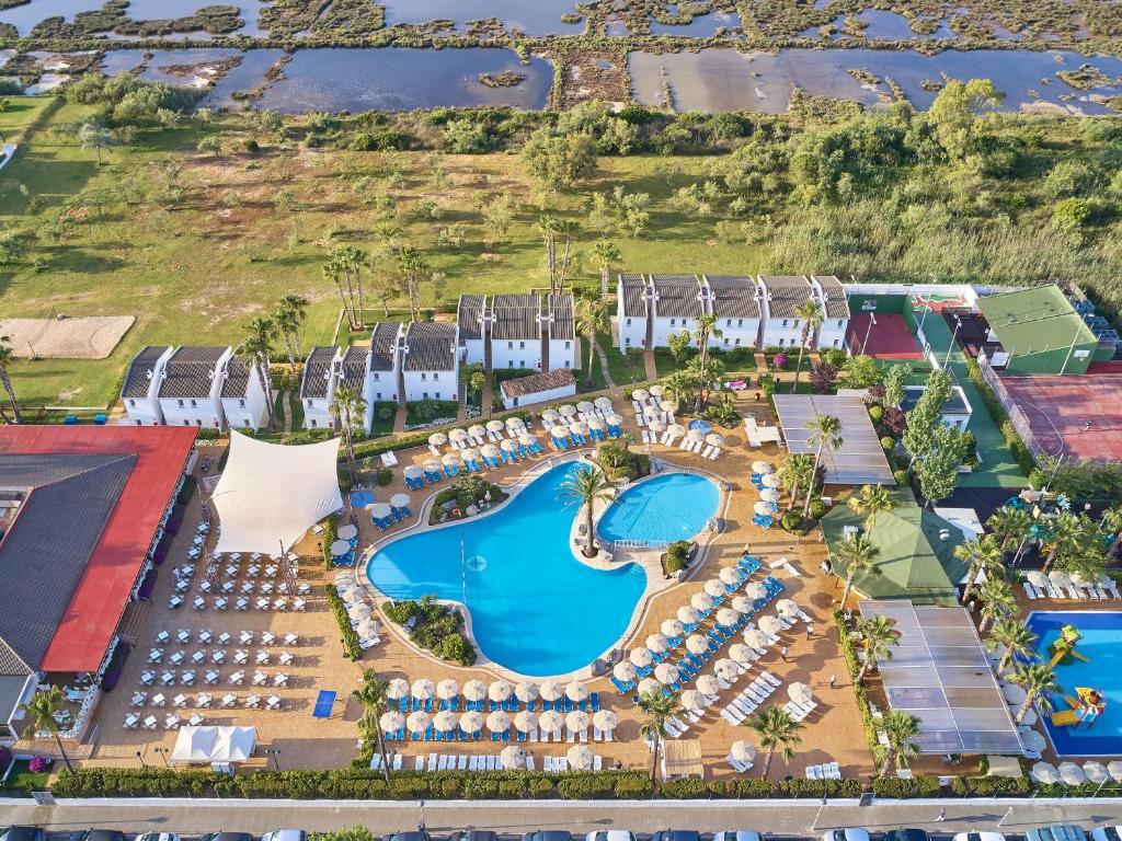 Een luchtfoto van BQ Alcudia Sun Village