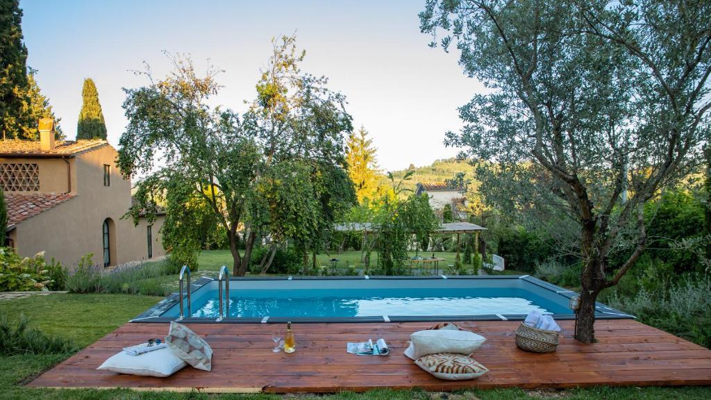The swimming pool at or close to Tenuta del Podestà