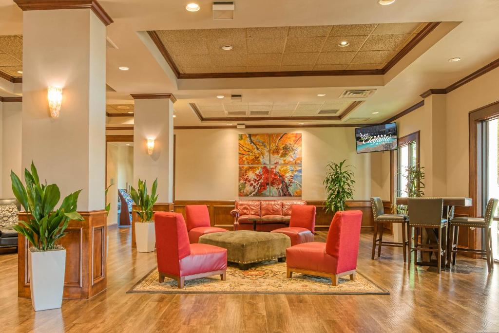 The lobby or reception area at MCM Elegante Hotel and Suites – Dallas