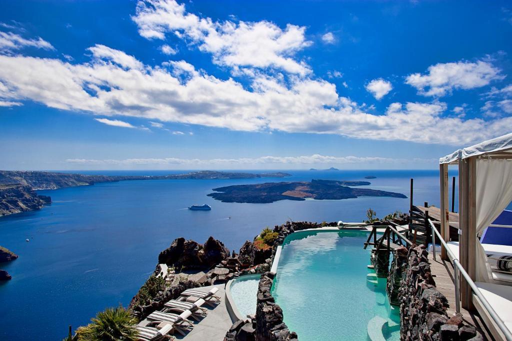 Majoituspaikan Honeymoon Petra Villas uima-allas tai lähistöllä sijaitseva uima-allas
