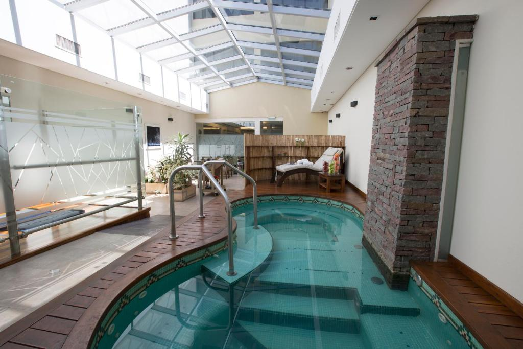 The swimming pool at or close to Blank Hotel Recoleta