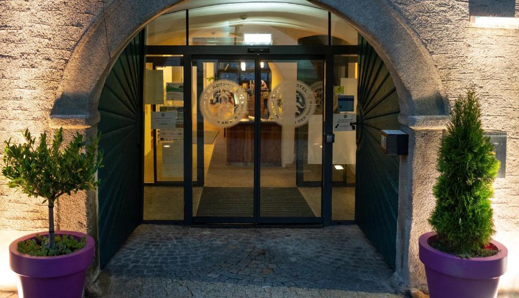 Eine Fassade oder ein Eingang zu Stadthotel Waidhofen an der Thaya