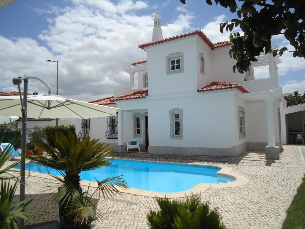 The swimming pool at or near Casa Idalina Villa in Beja's beautiful countryside