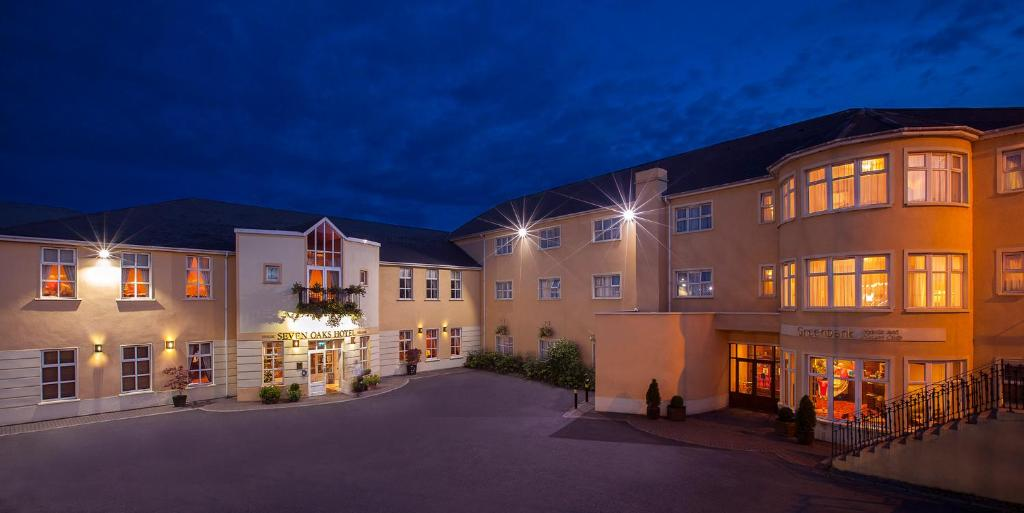 Seven Oaks Hotel - Laterooms