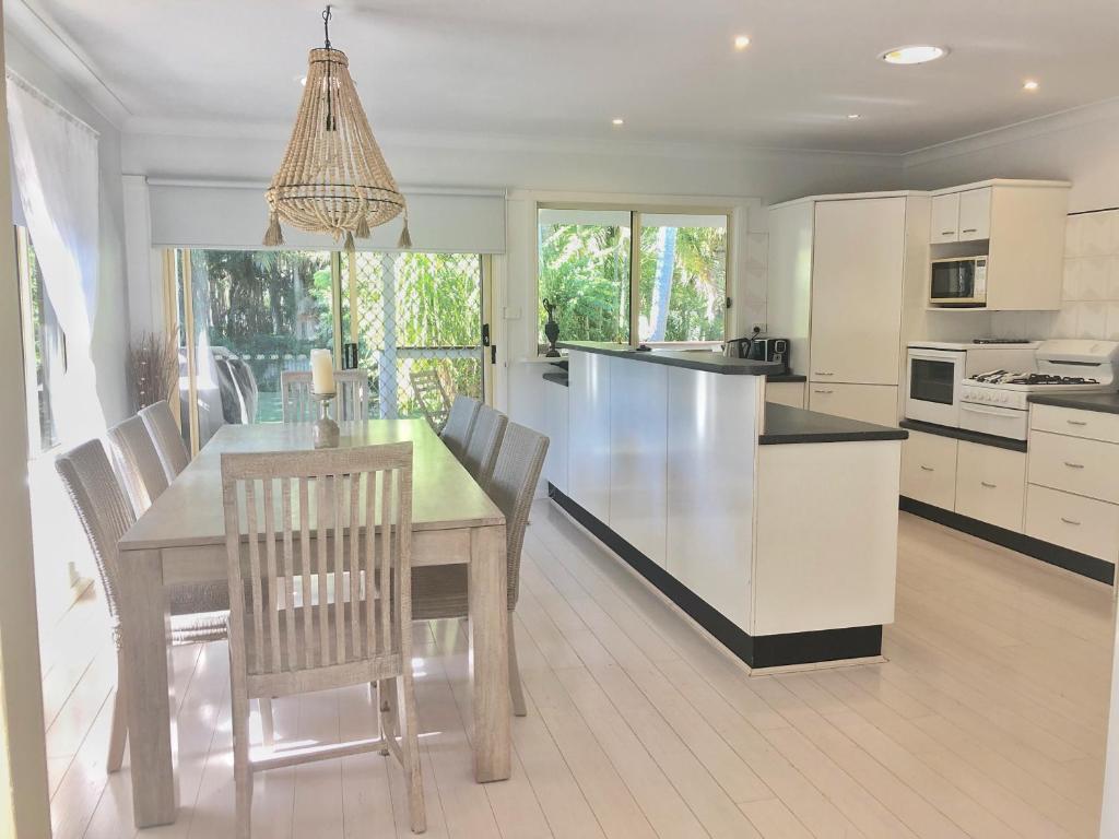 A kitchen or kitchenette at Nobbys Beach Retreat