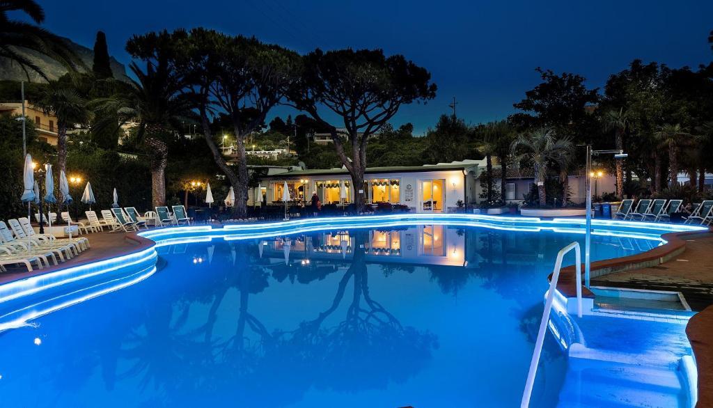 Piscina di Hotel Terme Park Imperial o nelle vicinanze