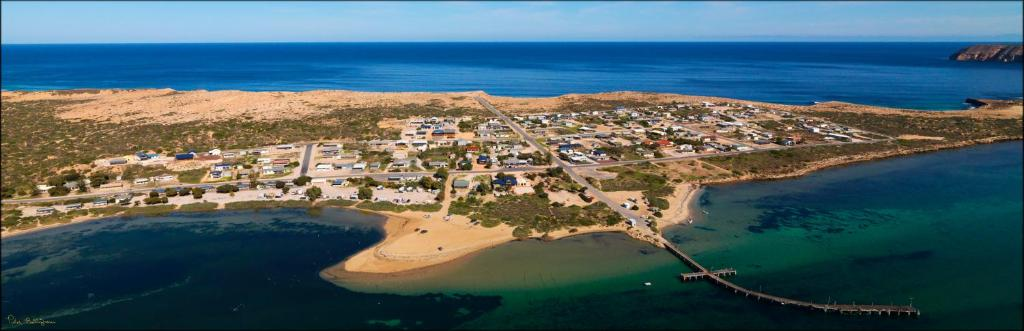 A bird's-eye view of Venus Bay Beachfront Tourist Park South Australia