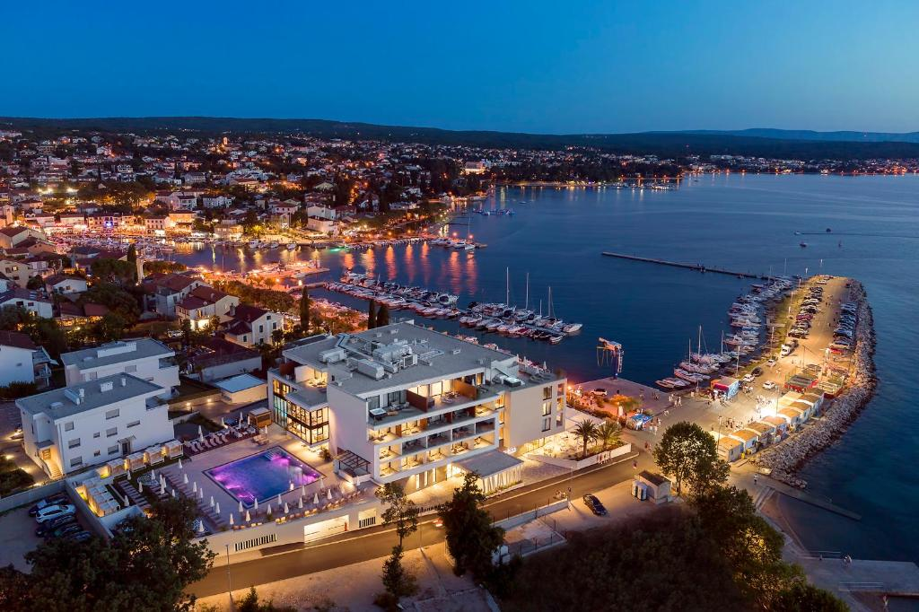 Luxury Hotel Rivaの鳥瞰図